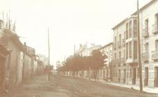 La Retina: Calle Cavas de Calahorra: al fondo, el Casino