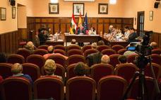 García Metola no se plantea dimitir tras dejarle la oposición sin sueldo