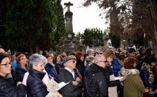 Visita al cementerio de La Planilla
