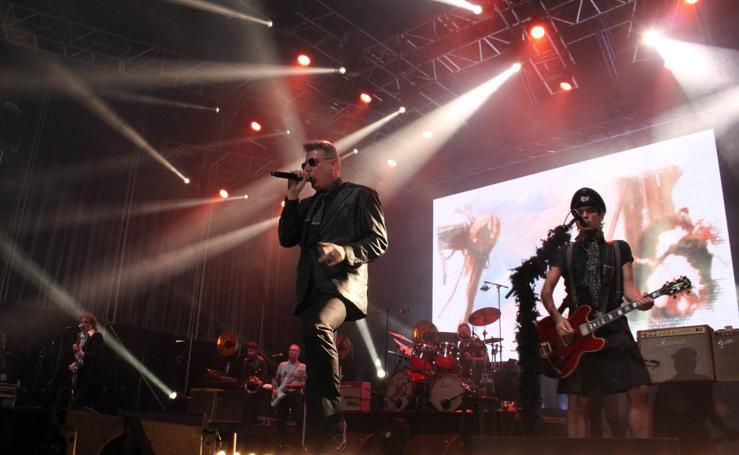 Loquillo celebró sus 40 años de rock en Arnedo