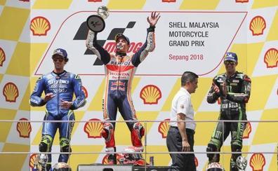 Márquez disfruta en Sepang