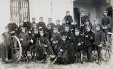 La Retina: Logroño, 1909: oficiales de Artillería