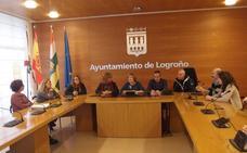 Los conductores de los autobuses urbanos de Logroño se forman para tratar a personas con discapacidad
