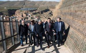 Ábalos pone como ejemplos de colaboración las restauraciones de Haro y Arnedo
