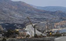 El 'viento del diablo' azuza los fuegos en California