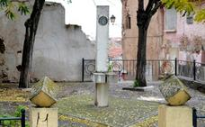 Retiradas las esculturas del Quijote para ejecutar la obra del muro de San Francisco
