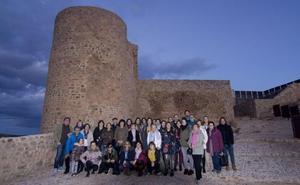 El claustro del IES Celso Díaz visita el castillo
