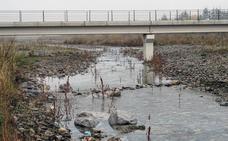El agua vuelve al río Oja, a su paso por Santo Domingo