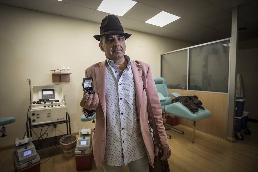 El mayor donante de sangre de España anima a seguir sus pasos para ayudar a los demás