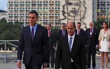 Sánchez traslada a Díaz-Canel su «ilusión» por ver a los Reyes en Cuba el año próximo