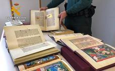 Dos detenidos por estafar 40.350 euros a un anciano con una colección de libros