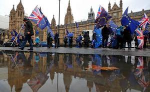 El abogado general del Gobierno británico calma los agitados ánimos del Parlamento
