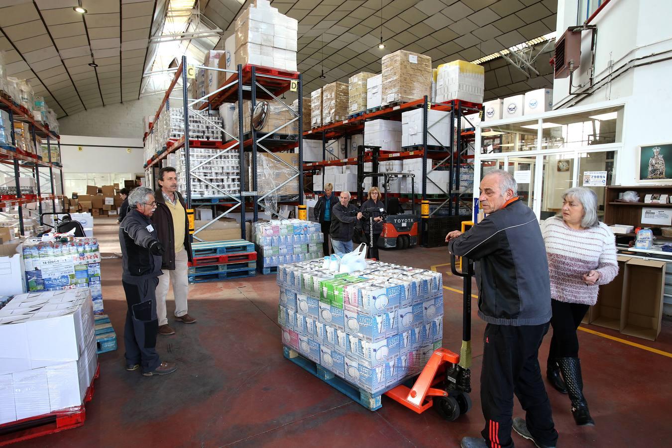 Los kilos de comida donados en la Gran Recogida llegan al Banco de Alimentos