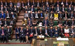 El Parlamento británico ve «devastador» para May el informe legal sobre el 'brexit'