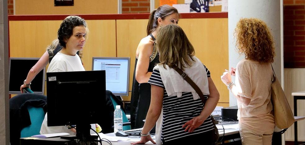 Menos de un tercio de los alumnos de grado de la UR estudian con una beca