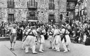 La Retina: bailes regionales en Ortigosa
