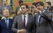 Ciudadanos amaga con romper el pacto en Andalucía si el PP negocia con Vox
