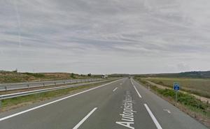 Herida una mujer al salirse de la vía en la AP-68, en Calahorra