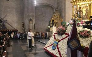 Gamarra pide amparo a la Virgen de la Esperanza para erradicar la violencia contra mujeres