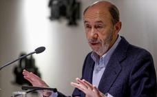 Rubalcaba rechaza la oferta de Sánchez para rivalizar con Carmena en las elecciones de mayo