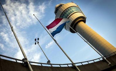 Detienen a un sospechoso en el aeropuerto de Ámsterdam después de una amenaza de bomba
