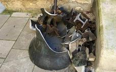 Se buscan dos trozos de la campana caída en Laguardia que contienen importante información