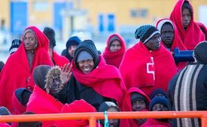 ¿De dónde saca Vox esa cifra de inmigrantes que pide que sean deportados?