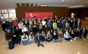 La UR implanta un programa para mejorar la movilidad internacional de los estudiantes