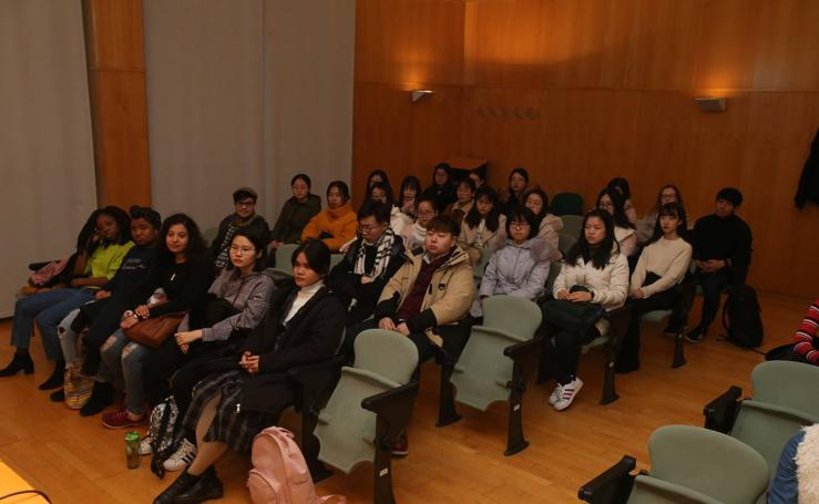 Bienvenida a los estudiantes extranjeros en la UR
