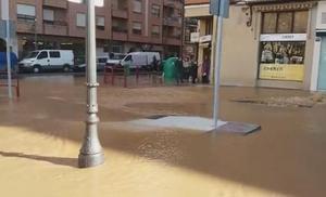 Un reventón inunda Ramírez de Velasco, La Cometa y Gonzalo de Berceo
