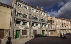 El antiguo cine de Cornago, a la venta