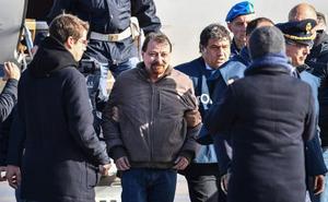 Italia pone fin a 40 años de huida del terrorista Battisti