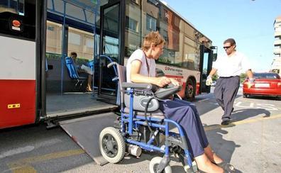 Gamarra apuesta por lograr un transporte urbano «plenamente accesible»