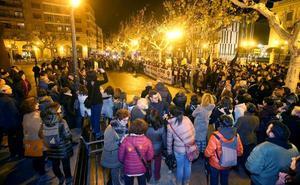 Más de medio millar de mujeres claman en Logroño por sus derechos