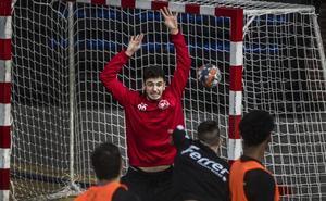 El Logroño prueba a un joven portero del Barça