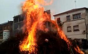 Rincón de Soto celebra sus hogueras de San Antón