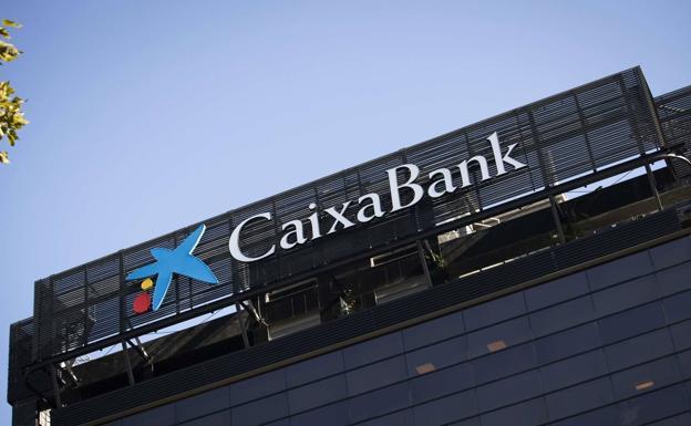 Caixabank cerrar seis oficinas y despedir a 20 for Oficinas caixabank madrid
