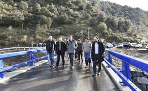 Viniegra de Abajo estrena un nuevo puente sobre el Urbión