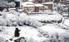 La sierra riojana, cubierta por la nieve