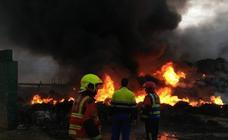 Incendio en una antigua planta de reciclaje