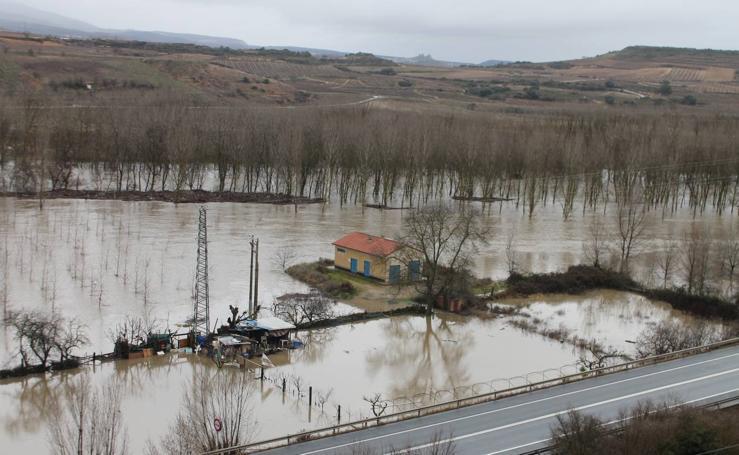 Las lluvias provocan que los campos se aneguen en Haro