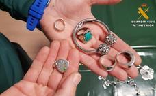 La Guardia Civil investiga a dos jóvenes por robo de joyas en Alfaro