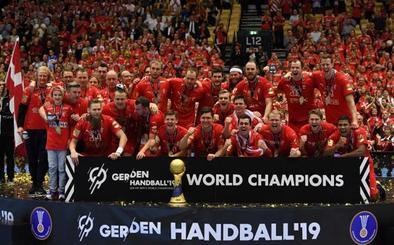 Dinamarca se ciñe su primera corona mundialista