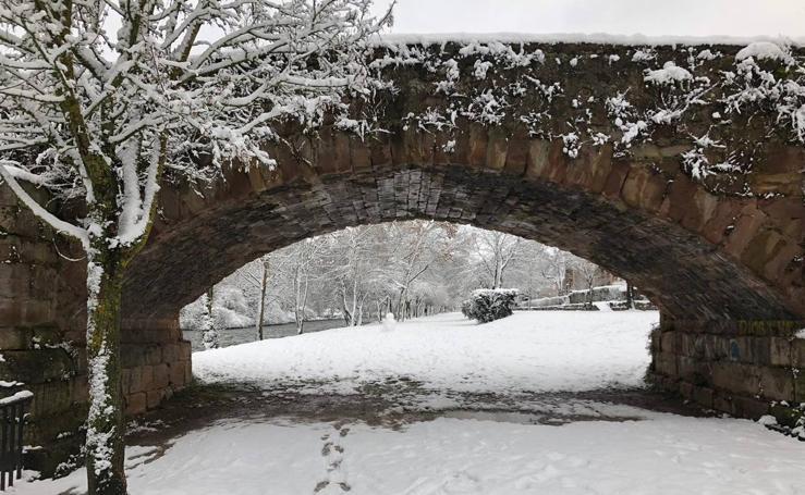 Ezcaray se llena de nieve