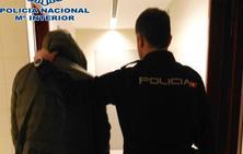Detenido un joven de 24 años que llevaba un kilo de marihuana