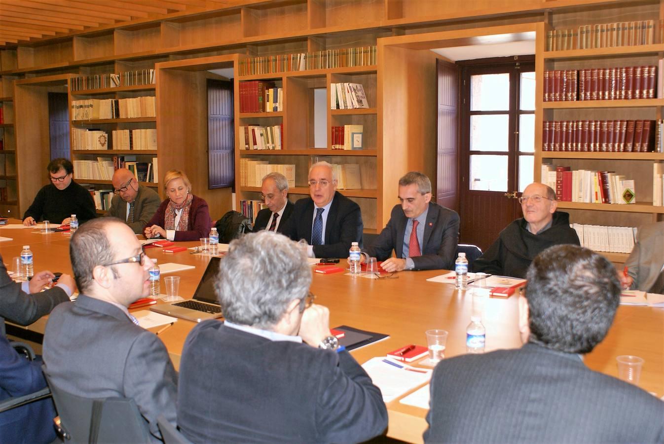 El presidente riojano afirma que «la promoción y defensa del español nos concierne a todos»