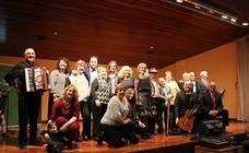 Concierto de la Asociación de Joteros y Joteras de Calahorra en la sala Caja Rioja-Bankia
