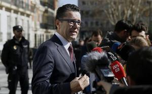 El F.C. Barcelona retira las distinciones honoríficas a Franco