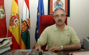 El Ayuntamiento de Santo Domingo trata en comisión el acuerdo que dejó sin sueldo del alcalde