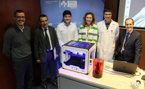 El hospital San Pedro implantará en tres años prótesis de rodilla personalizadas impresas en 3D